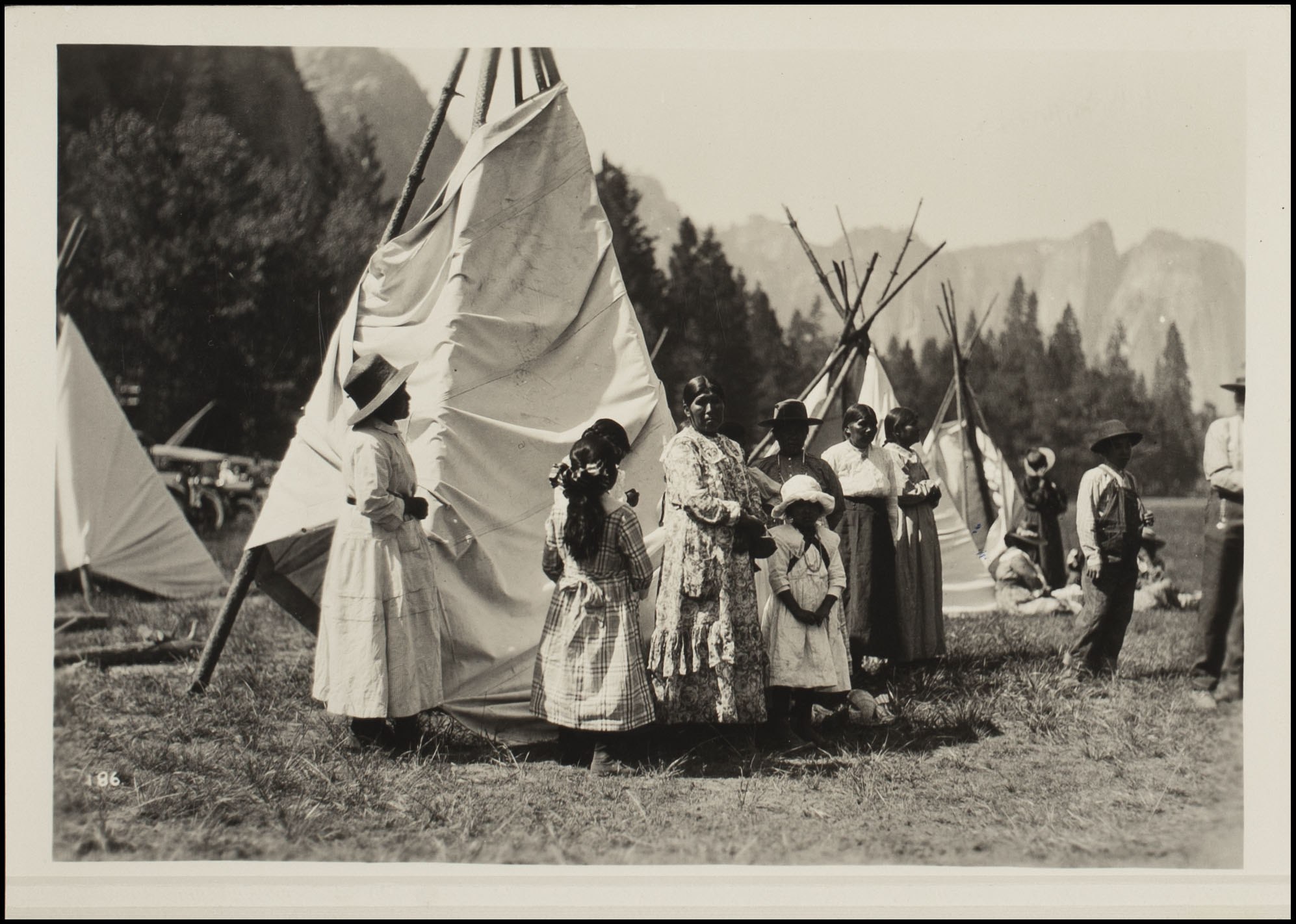 Life In The Valley American Indians Of Yosemite